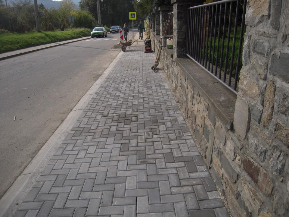 chodník po