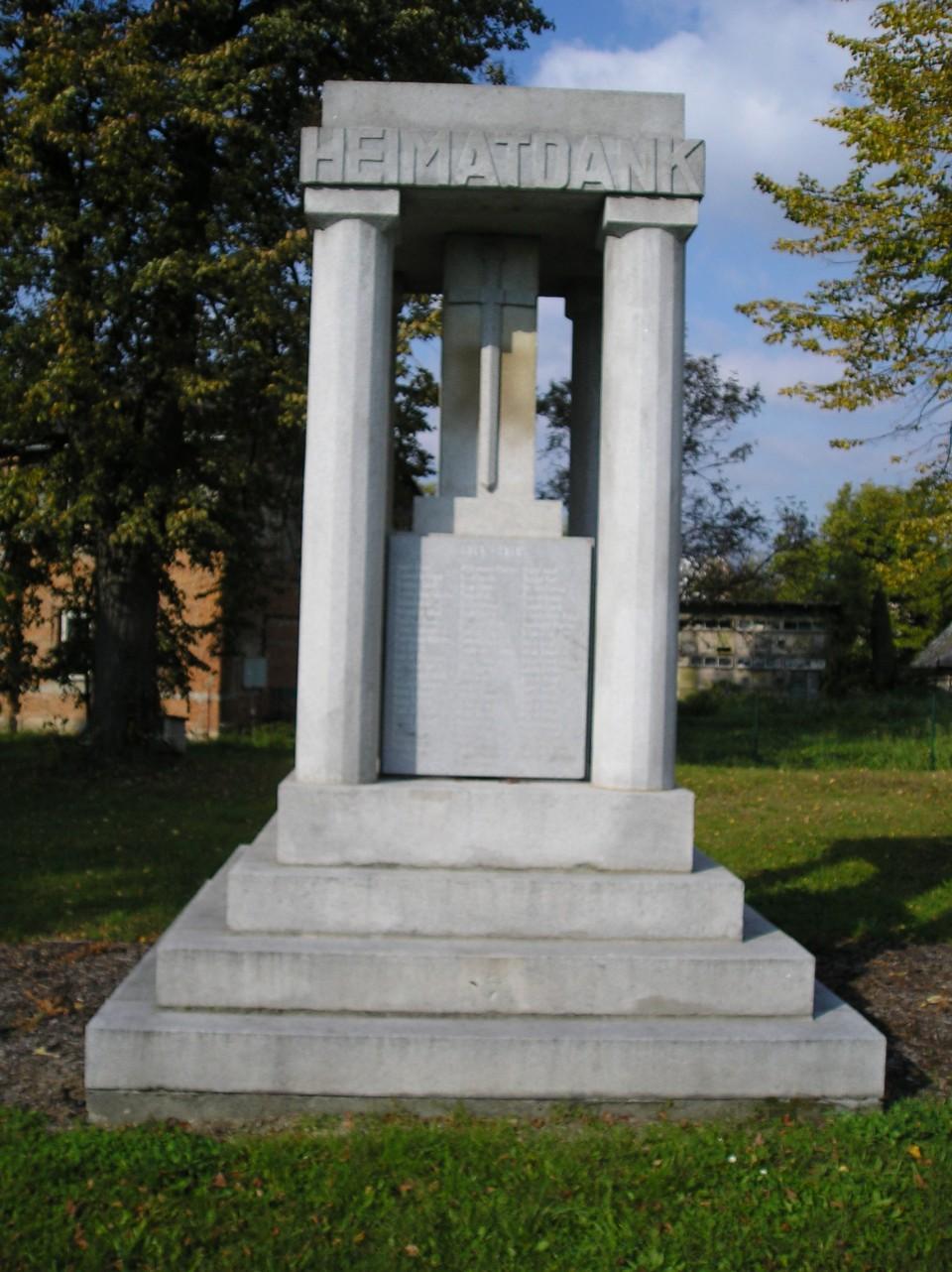 pomnik i